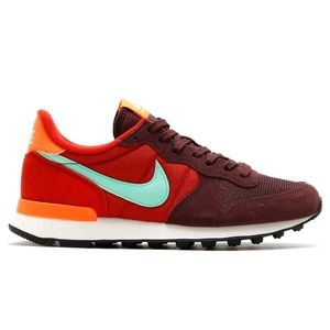 Nike Women's Internationalist Running Shoes